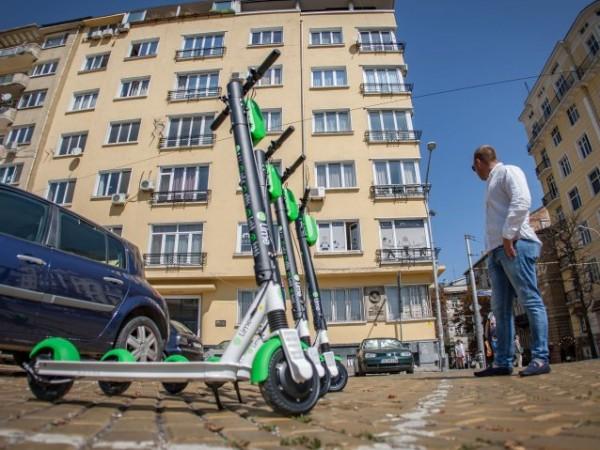 Електрическите тротинетки стават все по-популярни в големите градове по цял