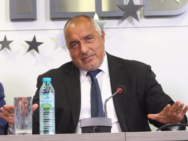 Премиерът Бойко Борисов не пропусна да уважи учениците и учителите