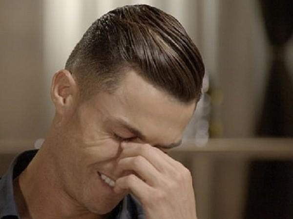 Кристиано Роналдо не успя да сдържи сълзите си, когато журналистът