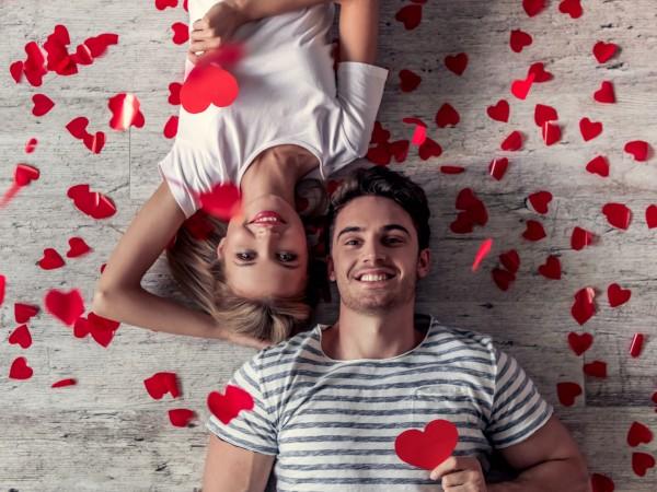 Жените определено са по-рамантичните в една връзка. Те обичат да