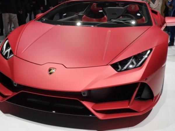 На изложението във Франкфурт италианският производител Lamborghini показа най-бързата версия
