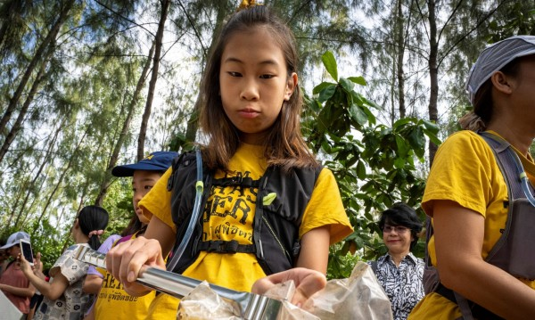 Лили – тайландската Грета Тунберг, която се бори срещу пластмасата