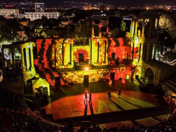Снимка: Нощта в Пловдив събра над 70 000 души