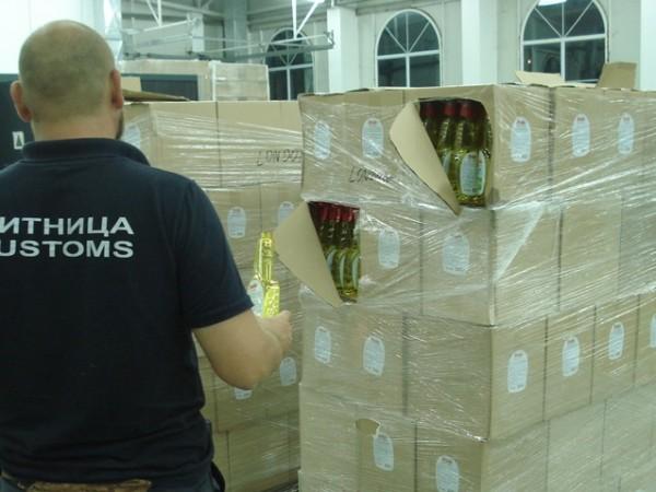 Общо 975 литра спирт и 444 литра ракия са иззели