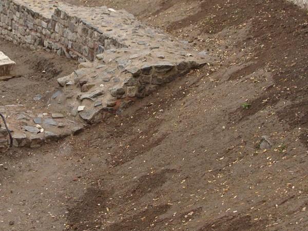 Каменна колона с античен надпис е установена при специализирана полицейска