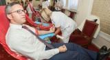 Депутати и служители в НС даряват безвъзмездно кръв