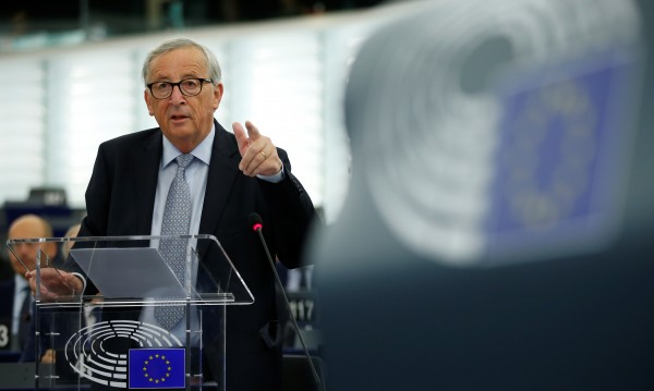 Юнкер: Рискът за Brexit без сделка е реален