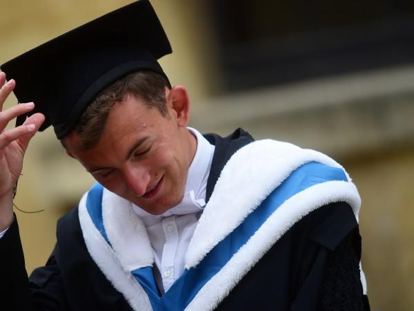 6040 български студенти са избрали университетите във Великобритания за своето