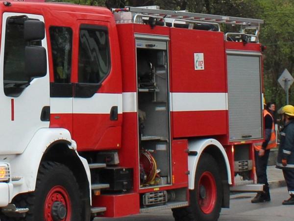 """Сериозен пожар пламна близо до столичния булевард """"Брюксел"""" и до"""