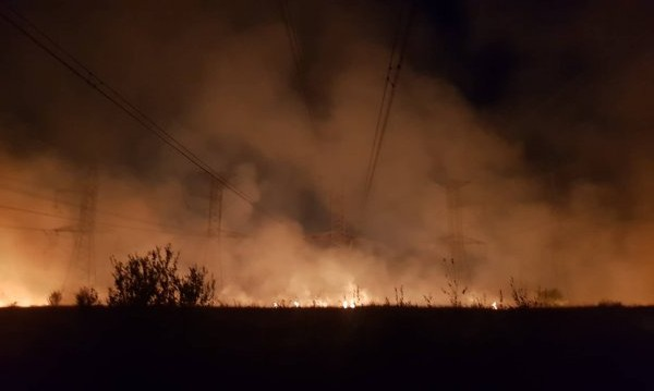 Пак пожар: Запали се и електрическа подстанция край Костинброд