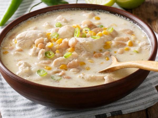 Продукти:2 супени лъжици зехтин2 глави лук, нарязан4 скилидки чесън, пресован4