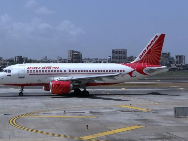 Разкъсван от финансови проблеми, индийският национален авиопревозвач променя менюто в