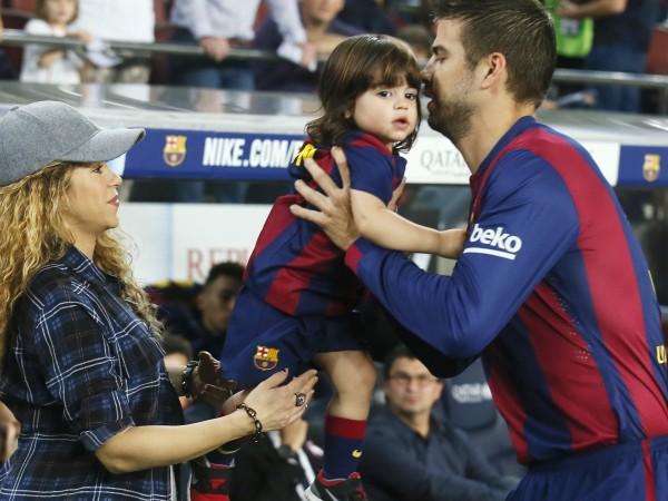 Шакира призна, че понякога не се вижда с децата си