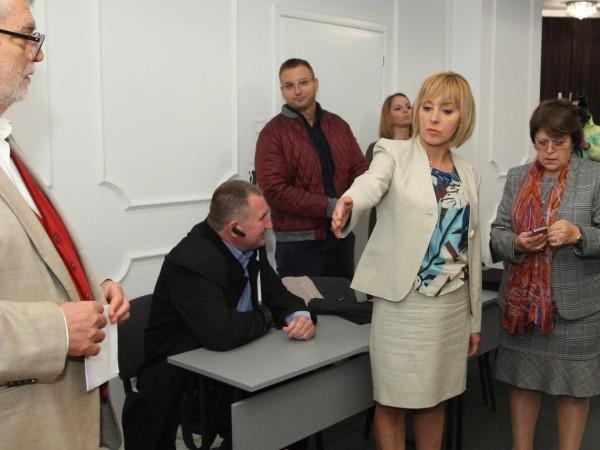 Мая Манолова, която е издигната от инициативен комитет за кмет