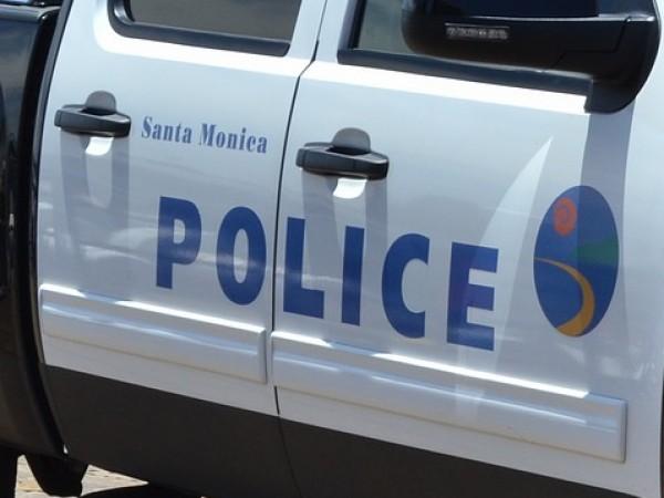 Един човек е убит и петима са ранени при стрелба,
