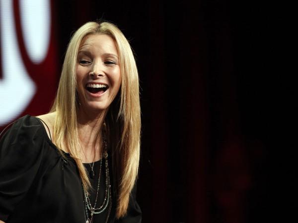 """Лиса Кудроу добива популярност със сериала """"Приятели"""". Тя влиза в"""