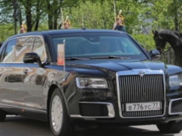 Русия пуска първата постсъветска луксозна лимузина, марка Аурус. Тя беше