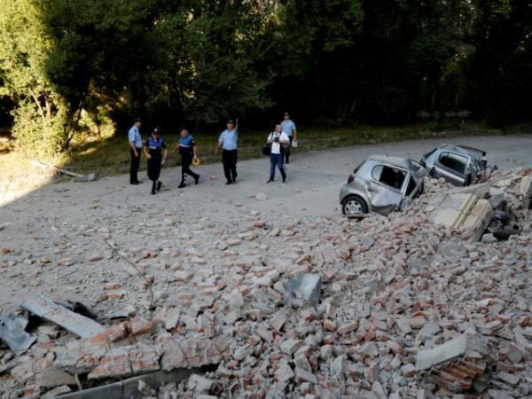 Няма информация за пострадали български граждани при земетресението в Албания,
