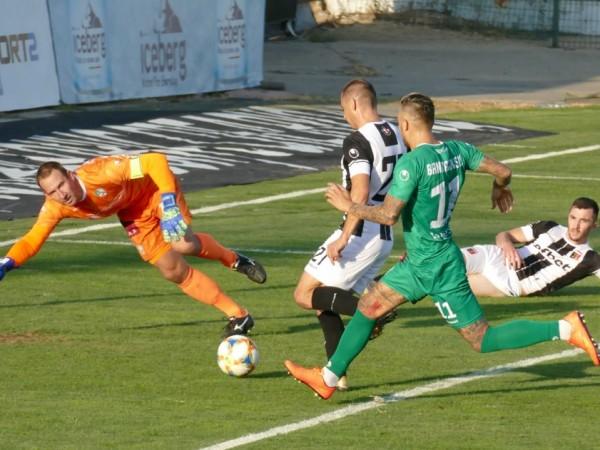 Локомотив (Пловдив) победи категорично Берое с 3:0 в среща от