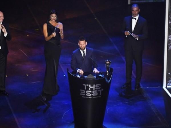Снимка: Лионел Меси спечели наградата на ФИФА за най-добър играч