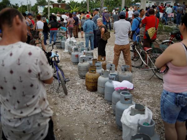 Недостигът на горива, обхванал Куба от десетина дни, започна да