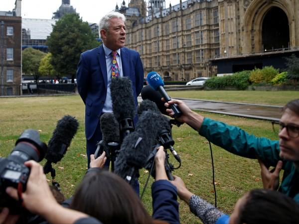 Камарата на общините в британския парламент ще възобнови работа утре,