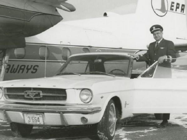 Преди Ford да пуснат Мустанг официално на пазара през 1964