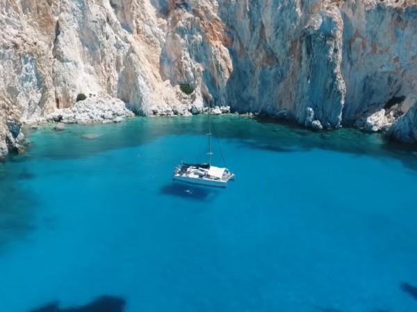 Гръцкият остров Милос е първи в класацията на десетте най-красиви