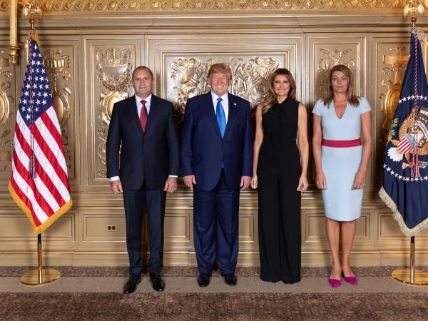 Президентът Румен Радев и съпругата му Десислава присъстваха на прием,