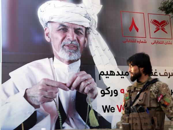 Президентски избори се произвеждат в Афганистан днес, предадоха световните агенции.