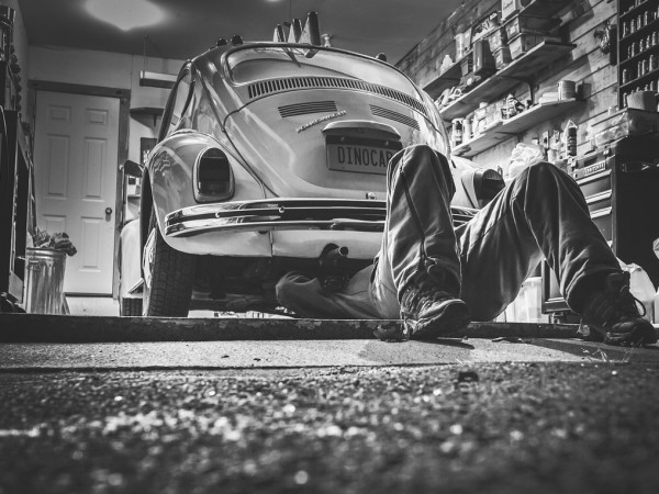 Сивият сектор в ремонтите на автомобили достига 80 процента, каза