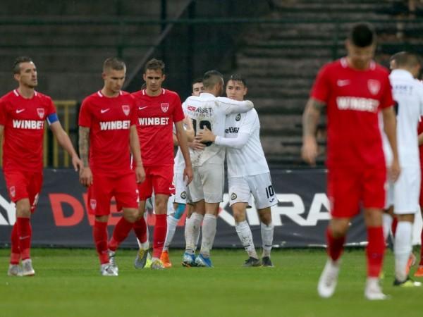 Славия записа трета поредна победа във всички турнири и втора