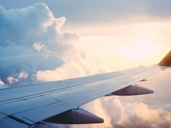 """Самолет А320 на авиокомпания """"Бритиш еъруейз"""", пътуващ от италианския град"""