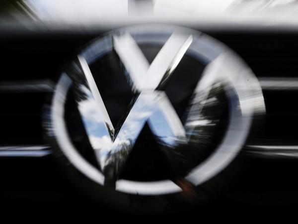 Преговорите с Volkswagen за изграждане на автомобилен завод у нас
