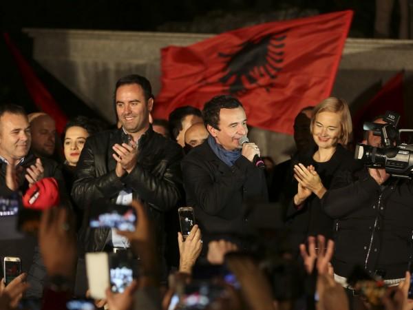 Лидерът на косовското движение Самоопределение Албин Курти, чиято партия спечели