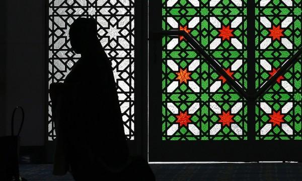Брак за удоволствие: Религиозната вратичка за проституция в Ирак