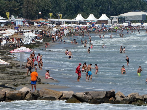 Министърът на туризма Николина Ангелкова отчете добър летен сезон, въпреки