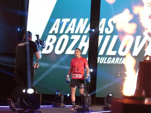 Дни след като Атанас Божилов, един от най-опитните български кикбоксьори,