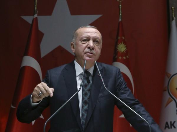 """Турският президент Реджеп Ердоган заплаши да """"отвори границите"""" към Европа"""