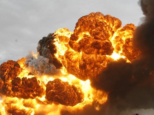 Ирански петролен танкер се подпали след експлозия край саудитското пристанище