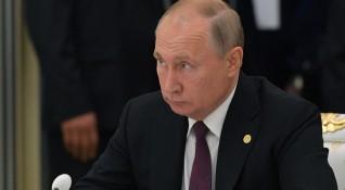 Путин на Арабския полуостров: За какво ще преговаря там?