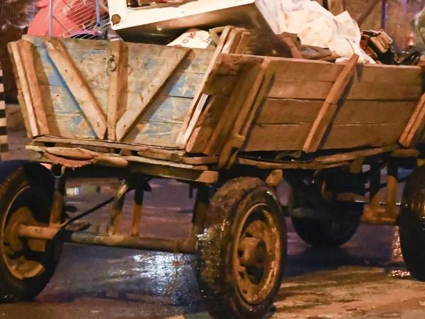 Кола блъсна каруца без светлоотразители на околовръстния път на Добрич,