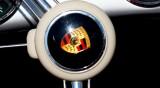 Porsche впери поглед в небето: Ще разработва летящи коли с Boeing