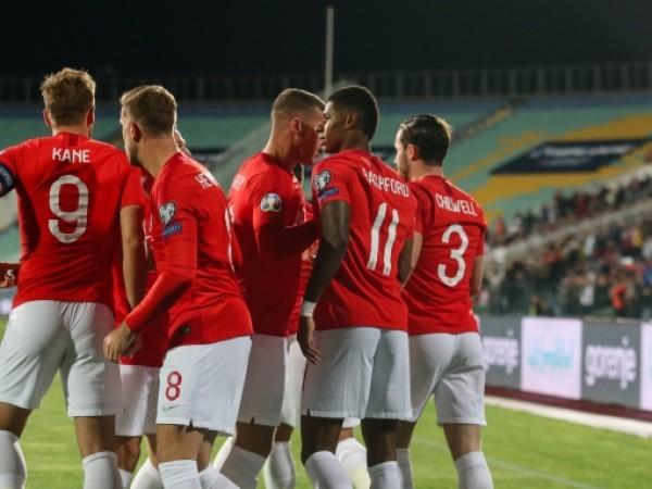Англия поведе над България с четири три гола - първите