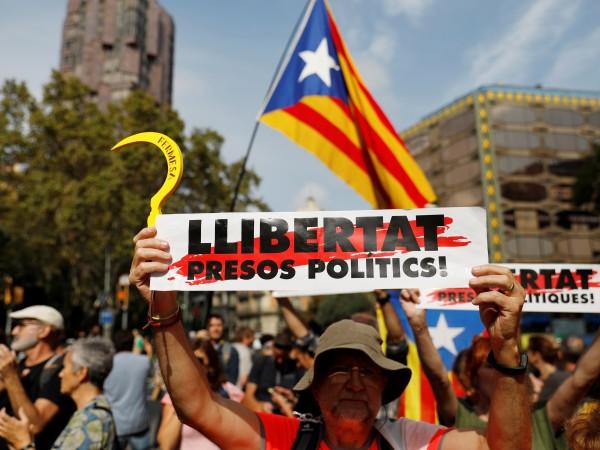 Проблемът, поставен пред Испания от движението за независимост на Каталуния,