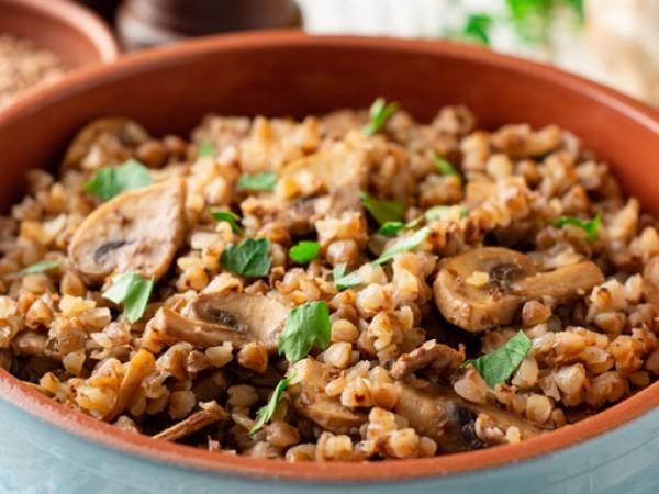 Глутенът е протеин, съдържащ се в пшеницата, ечемика, овеса, ръжта.