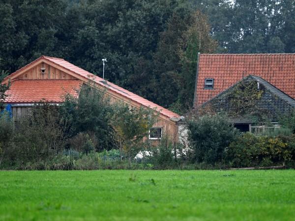 Мъж е задържан в Холандия по подозрение, че е държал