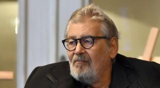 Стефан Данаилов е в медикаментозна кома, за да не се мъчи