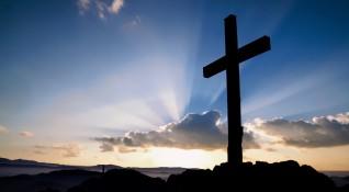 Четириметров кръст ще пази жителите на село в Еленския балкан