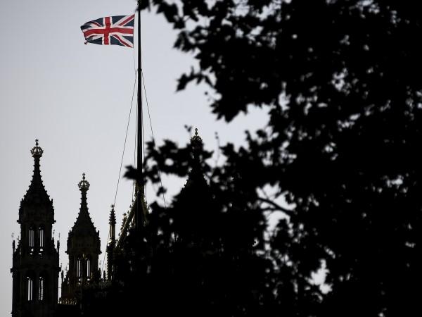 Британският парламент ще има днес извънредно заседание, за да обсъди